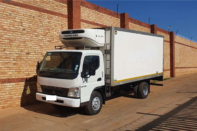 Fuso Truck Lowbed 7-136WITH FRIDGE BODY,THERMOKING T500R COOLER 2008