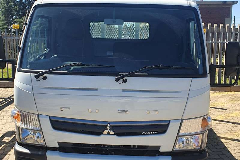 Fuso Lowbed Fuso Canter FE4 130 ( 2 TON ) Truck