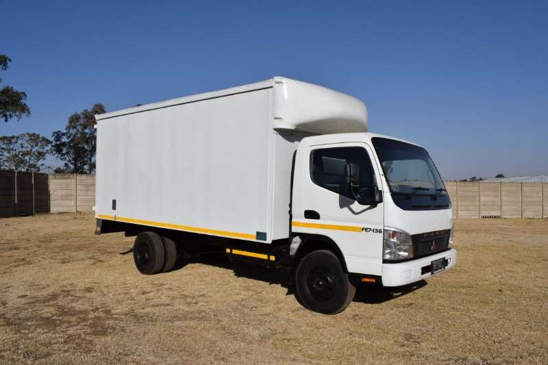 Fuso Truck Volume body Canter FE7 136 2009