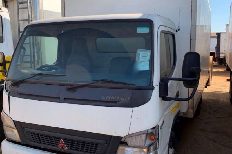 Fuso Truck Volume Body CANTER FE7-136 201