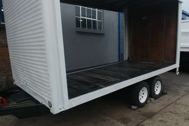 General purpose trailer ROBOTECH CURTAINSIDE 3M TRAILER 2011