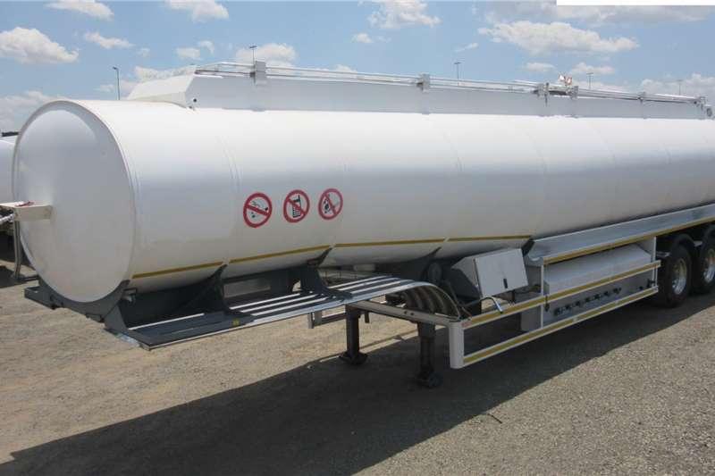 GRW Trailers Fuel tanker Tri   Axle 2013