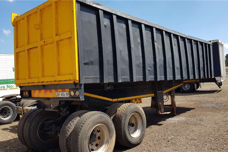 Hendred Trailers Copelyn 30cube Hendred Copelyn 1986