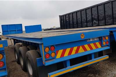 Hendred Flat deck 13m Triaxle, Container Locks Trailers
