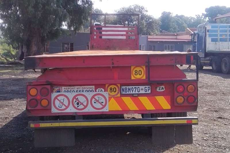 Hendred Trailers Flat deck 2001 11 14 2001