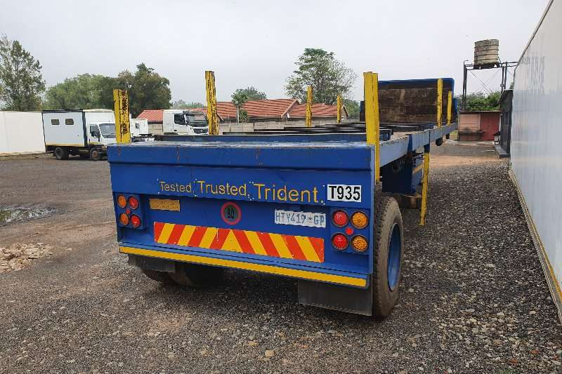 Hendred Trailers Flat deck 9m single axle 1999
