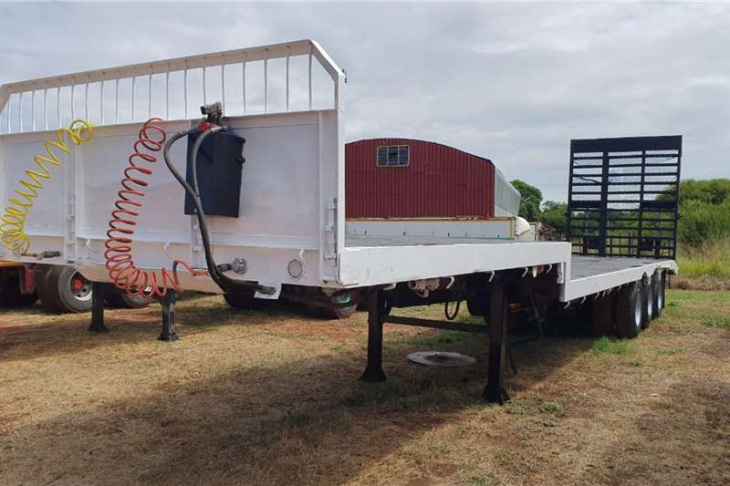 Hendred Trailers Stepdeck HENDRED TRI AXLE STEPDECK LOWBED 1989