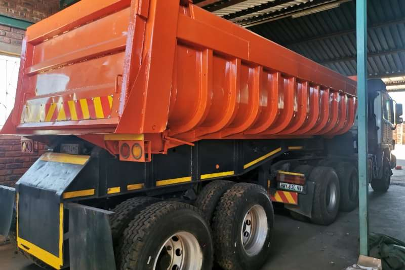 Hendred Trailers Tipping bulk trailer 1996 Hendred Fruehauf 18 cubic end tipper Trailer 1996