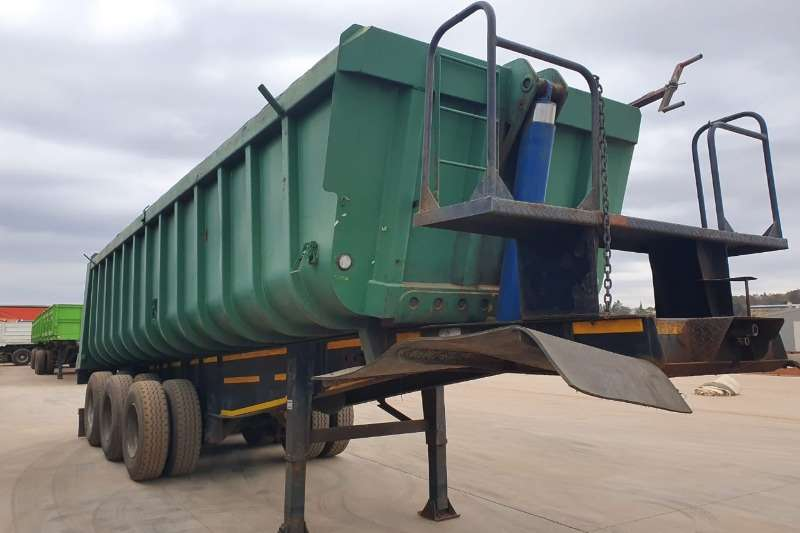 Henred Trailers 30 Cube Rear End Tipper 2011