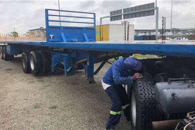 Henred 6 x 12 Superlink Lifting axle's Trailers