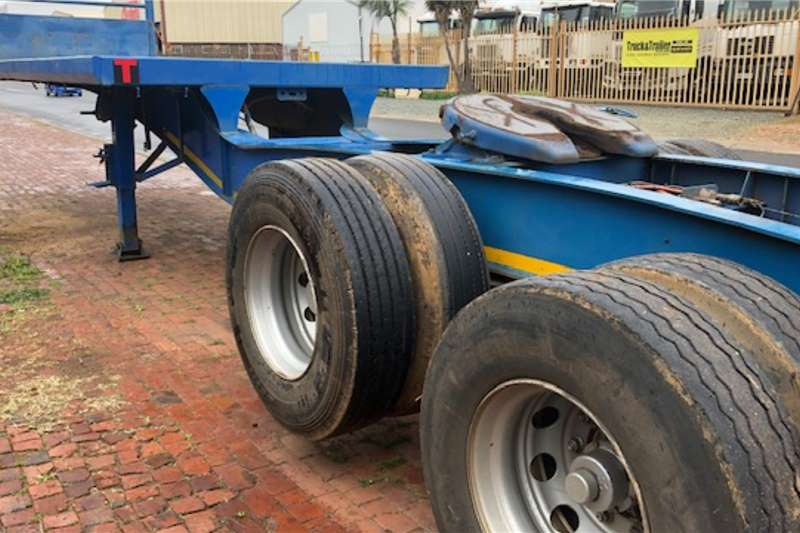 Henred 6x 12 Link Air suspension Trailers