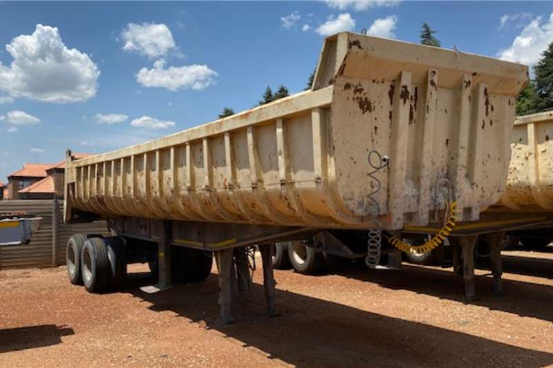 Henred Trailers Copelyn Numerous 2 Axle Copelyn end tippers available 1996