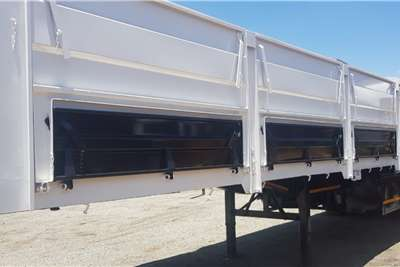 Henred Dropside 13.5M Tri Axle Mass Side Trailers