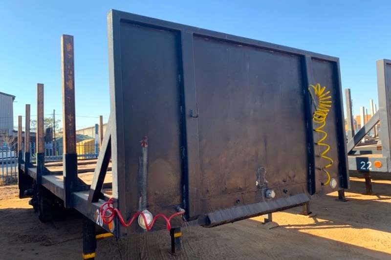 Henred Flat deck D/AXLE 10M WITH UPRIGHTS Trailers