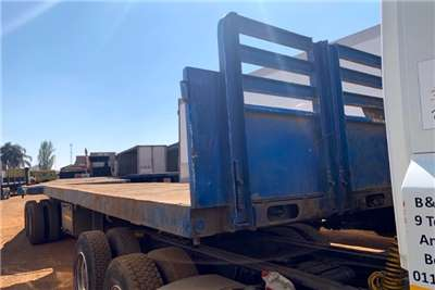 Henred Flat deck SUPERLINK Trailers