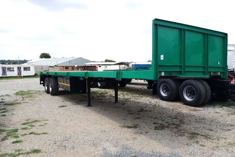 Henred Trailers Hendred Fruehauf Flat Deck Trailer 1984