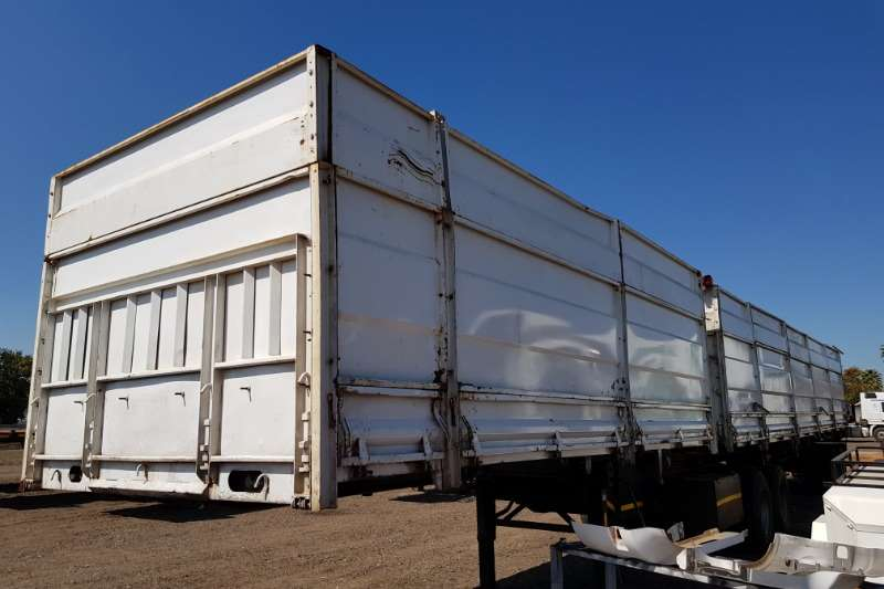 Henred Trailers Henred Vlottenburg High Sides with Tarps 1996