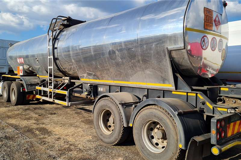 Henred Oil claded tanker Tanker insulated link Trailers