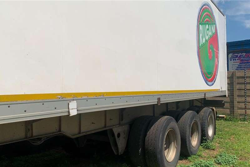 Henred Refrigerated trailer HENRED FRUEHAUF TRIDEM REFRIDGERATED TRAILER Trailers