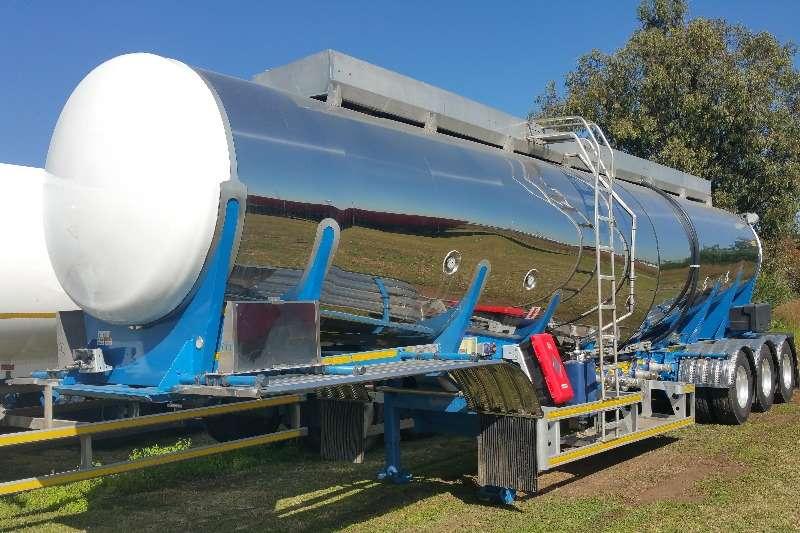 Henred Trailers Stainless steel tank HFO Tanker Tridem 2020