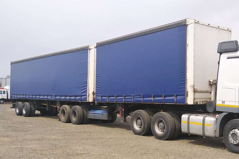 Henred Trailers Tautliner HENRED FREUHAUF SUPERLINK TAUTLINER 2010