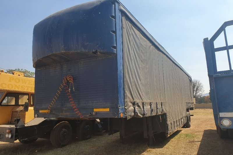 Henred Trailers Tautliner s axle