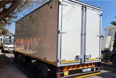 Hino 1017 Box trucks
