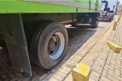 Hino 1626 Box trucks