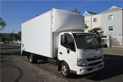 Hino 815AMT Box trucks
