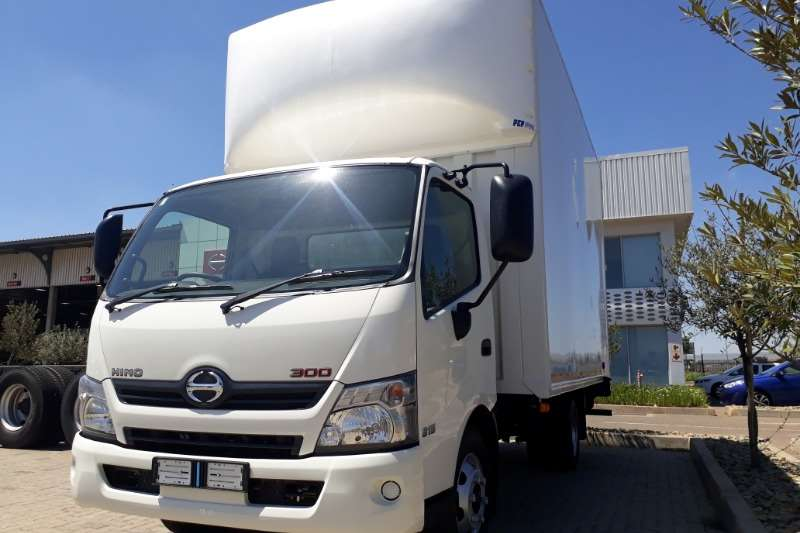 Hino Box trucks Hino 300 815 AT with a Van body 2020