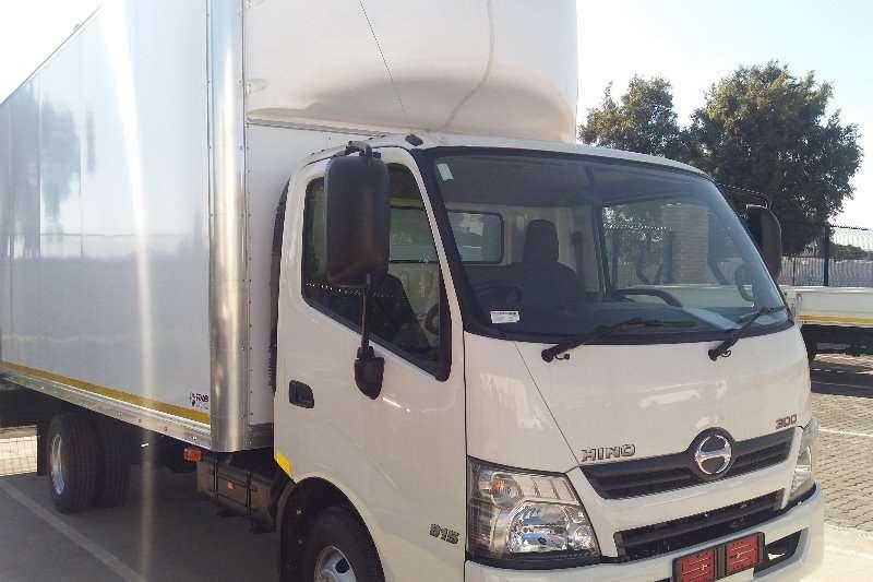 Hino Hino 300 Series 915 manual Box trucks
