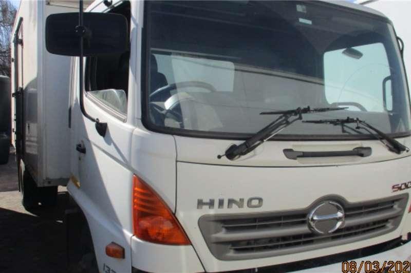 Hino HINO 500 1324 VAN BODY Box trucks