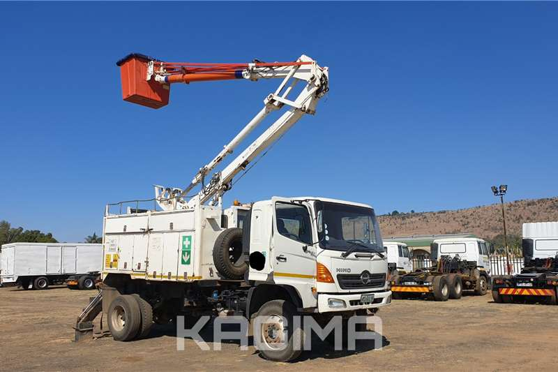 Hino Cherry picker trucks Hino 500 Super F 13 216 4x4 Cherry Picker 2006