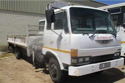 Hino 10 136 DROPSIDE WITH CRANE Crane trucks