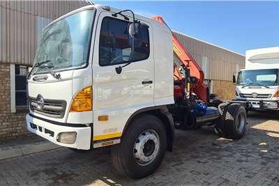 Hino 500 1626 Crane trucks