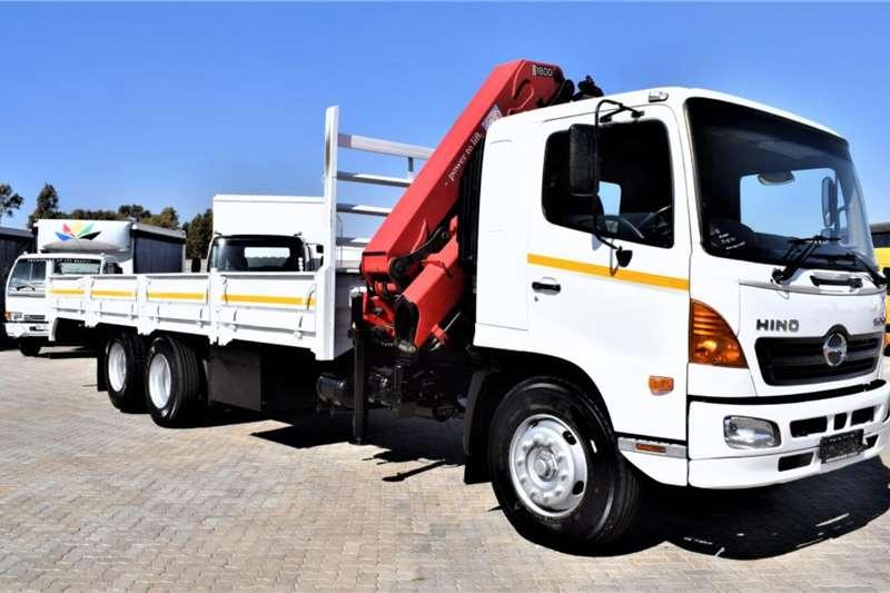 Hino Crane trucks 500 Series 1626 Tag Axle 2014