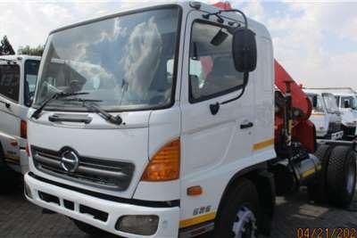 Hino HINO 15 258 4 X 2 T/T WITH HC 170 CRANE Crane trucks