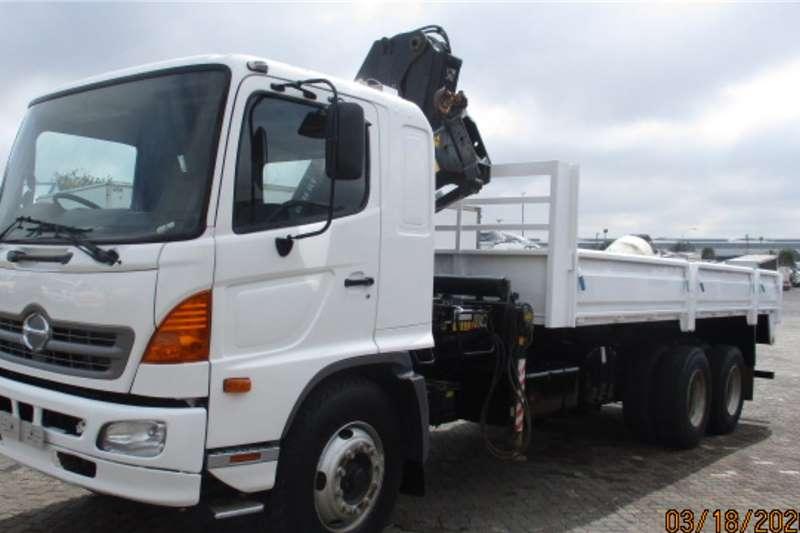 Hino Crane trucks HINO 1726 6 X 2 DROPSIDE WITH HIAB XS166 2013