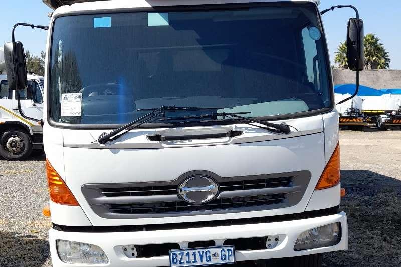 Hino HINO 500 LIFT KITCHEN TRUCK FOR SALE Crane trucks