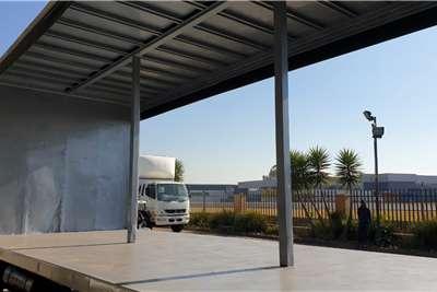 Hino 500 1626 F/C 8 Ton Curtain Side Curtain side trucks