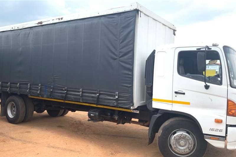 Hino 500 1626 F/C Curtain Side Curtain side trucks