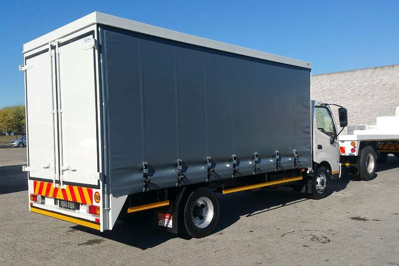 Hino Hino 300 814 Curtain Side Curtain side trucks