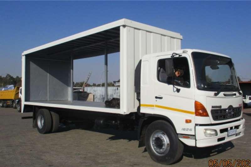 Hino HINO 500 1626 TAUTLINER Curtain side trucks