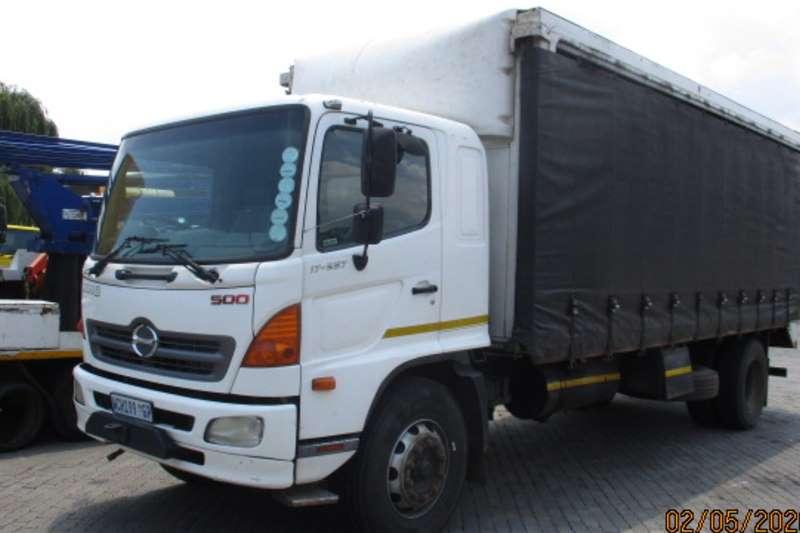 Hino Curtain side trucks HINO 500 17 257 TAUTLINER 2007