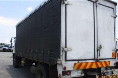 Hino HINO 500 17 257 TAUTLINER Curtain side trucks
