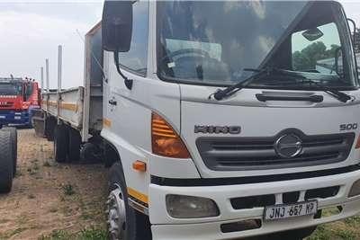 Hino 15 257 Dropside trucks