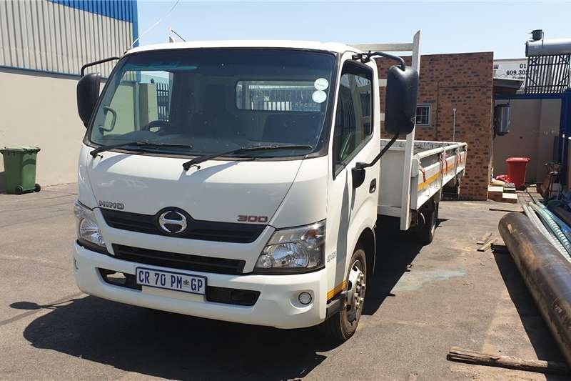 Hino 2013 Hino 300 915Dropside Dropside trucks