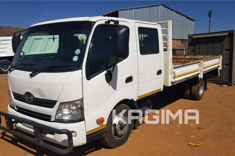 Hino 300 Crew Cab Dropsides Dropside trucks