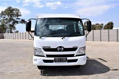 Hino 300 Series 815 Crew Cab Auto Dropside trucks