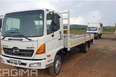 Hino 500 Series 1017 Dropside trucks